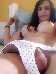 Glamorous shemale whore is exposing her sexy butt