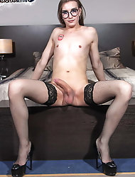 Amateur t-girl tarts with restless butthole